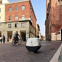 (Video) Italian Self-Driving Delivery Drone Takes to The Streets - YAPE