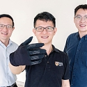 (Video) This Smart Gaming Glove May Soon Merge Humans with Machines - The InfinityGlove