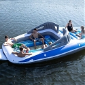 Amazon Now Sells a Boat-Shaped Pool Float That Fits Up to 6 Poople