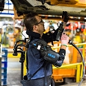 (Video) Ford Trialing EksoVest Exoskeleton for Overhead Work