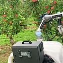(Video) Apple Harvesting Robot Plucks a Piece of Fruit Every 7 Seconds