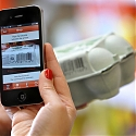 How Do Shoppers Bring Digital into Physical Stores ?